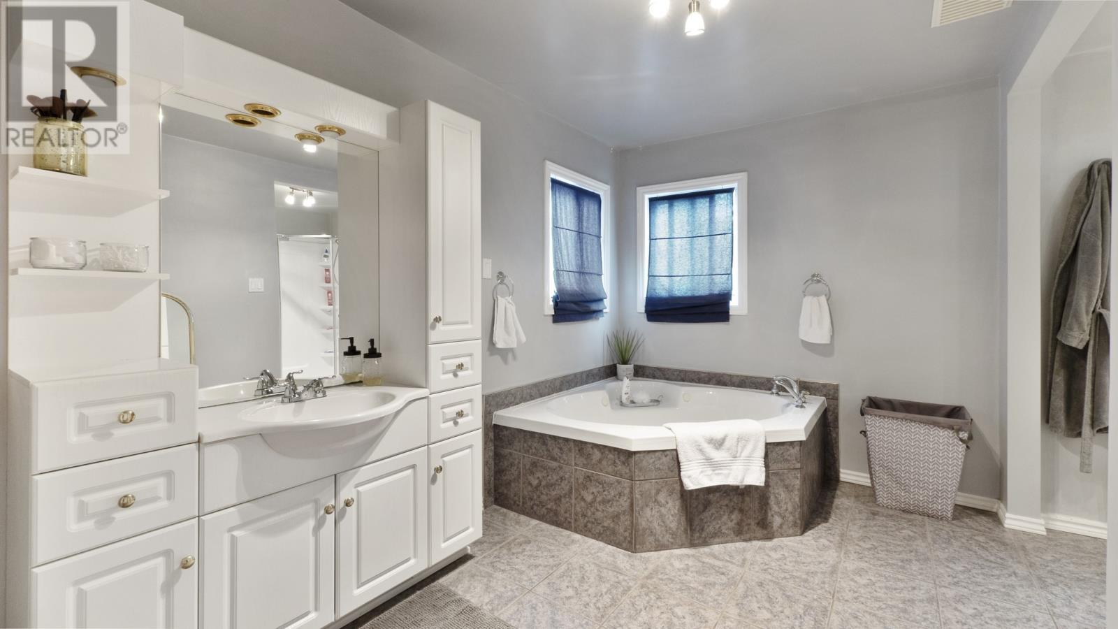 1846 Westcott - Bathroom